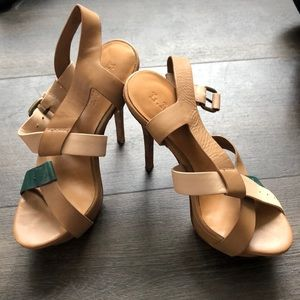 Shoes - Beige and turquoise heels